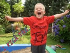das Shirt gab es als 1.Taggeschenk von der Eisenhardt-family (Tom fast 4)